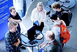 Spillutvikling virker å være populært blant studenter. Men kode24 så ikke et eneste spillselskap på dagen@ifi. Foto: Ole Petter Baugerød Stokke