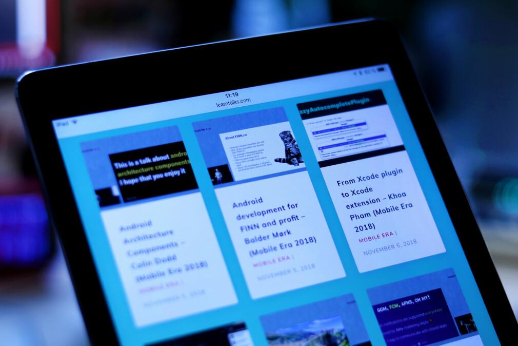 Khoa Pham, utvikler hos Hyper, har laget LearnTalks.com. Der samler han både norske og utenlandske foredrag. 📸: Ole Petter Baugerød Stokke