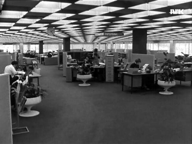 Åpne kontorlandskap så rimelig like ut slik de gjør i dag. 📸: NRK
