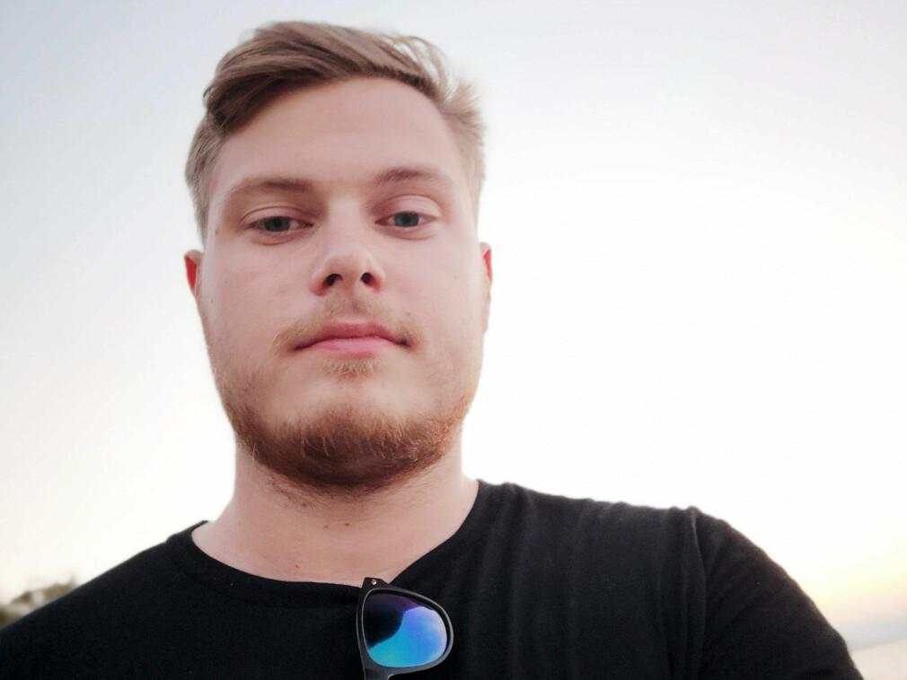 Henrik Hupe Olsen er Salesforce-utvikler i Telia. 📸: Privat