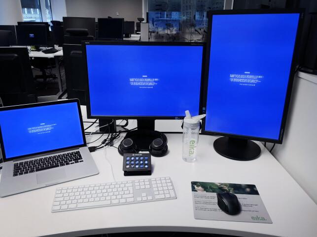 Den lille boksen på pulten til Nicolai Naglestad i Eika Gruppen er en Stream Deck til makroer, snarveier og ofte brukte CLI-kommandoer. 📸: Privat