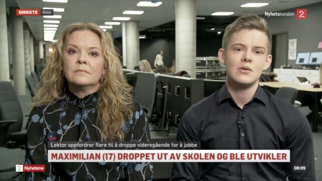 Foreldrene til Maximilian Øystå Lloyd har støttet han hele veien. Her er moren og Maximilian Øystå Lloyd på TV 2 Nyhetskanalen. 📸: TV 2