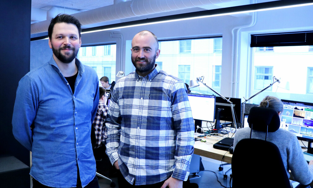 Fredrik Tveit til venstre er designansvarlig i Nettbureau. Kristian Vinkenes har vært med som utviklingssjef siden starten. 📸: Jørgen Jacobsen