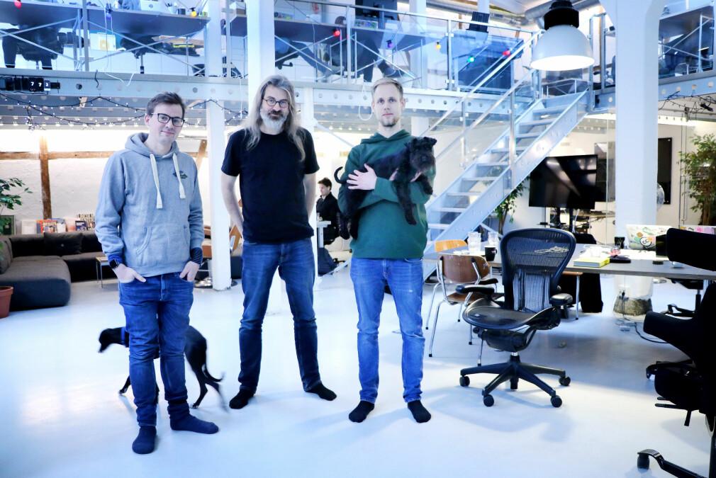 Knut Melvær, Simen Svale Skogsrud og Espen Hovlandsdal i Sanitys lokaler i Oslo. 📸: Ole Petter Baugerød Stokke