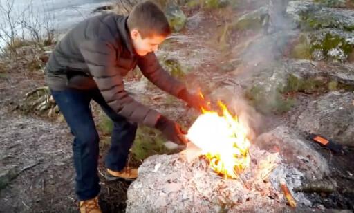 Maximilian Øystå Lloyd brant skolebøkene og begynte å jobbe som utvikler. 📸: Privat