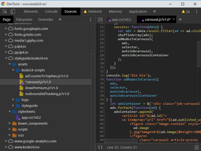 Her legger vi til en konsoll logg i JavaScript-filen carousel.js som tegner annonsekarusellen på forsiden av kode24.no. Merk at filer som blir endret får en lilla sirkel på seg. 📸: Jørgen Jacobsen