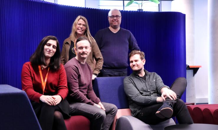 Fra venstre UX-designer Kimia Dayvary, iOS-utvikler Henrik Holmsen, Android-utvikler Lasse Bjørknes Magnusse og backendutvikler Audun Follegg. 📸:_Jørgen Jacobsen