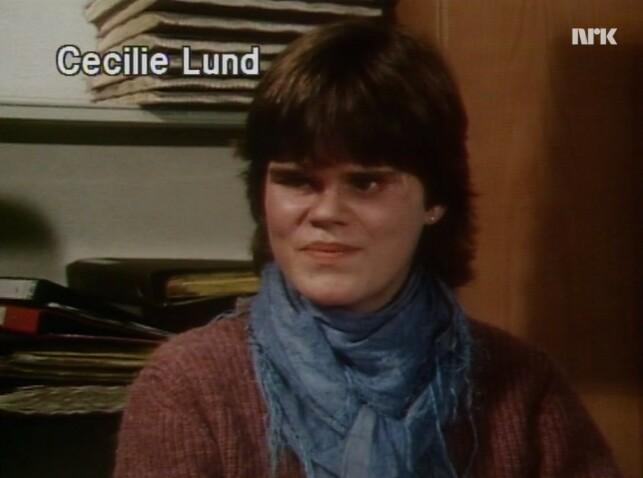 Cecilie Lund er blind og elev i niendeklasse på Risenga Skole i Asker. 📸: NRK