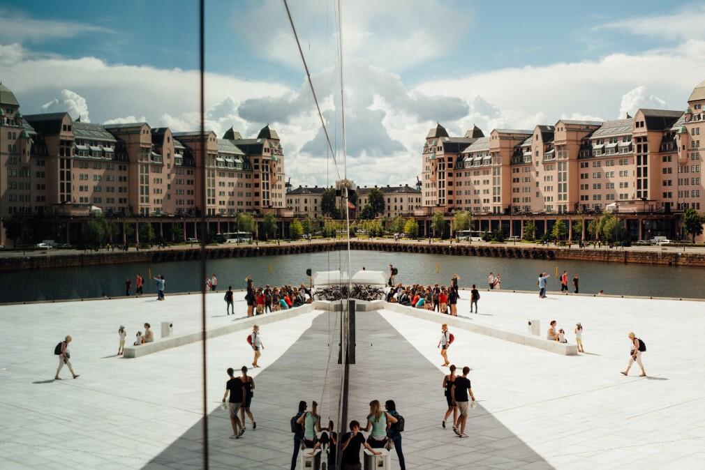 Her, i Oslo, tjener man langt mer som utvikler enn i mange andre norske fylker. Men i Buskerud tjener man faktisk enda mer. 📸: Oliver Cole / Unsplash