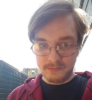 Kent Daleng lager AVI-glitchevideoer på fritiden og studerer på Universitetet i Agder på dagtid. 📸: Privat