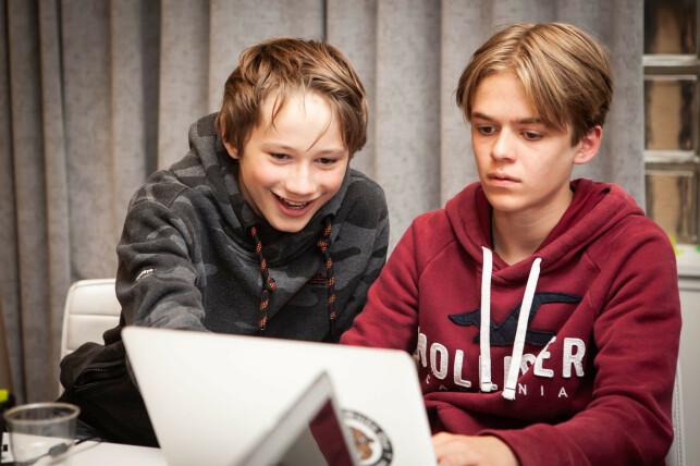 Tristan Bruvoll-Jensen og Odin den Haene, glade og engasjerte studenter. 📸: Anni Hoda