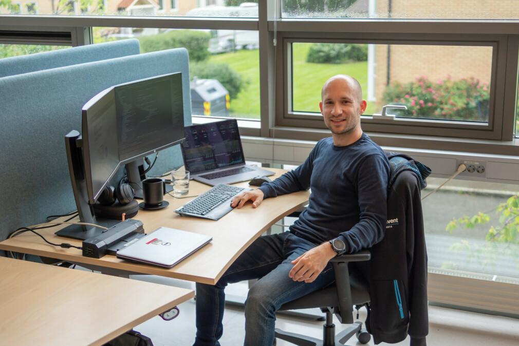 Mikkel Dan-Rognlie forteller om starten med storebrorens Amiga 500, helt til backend-utvikler i Bekk. 📸: Privat