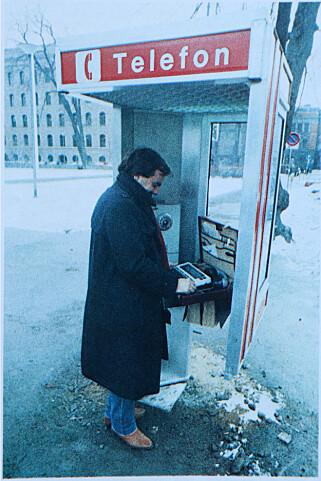 Om du var i tvil om de faktisk var i en telefonkiosk. 📸: Ole Petter Baugerød Stokke / Mikrodata PC