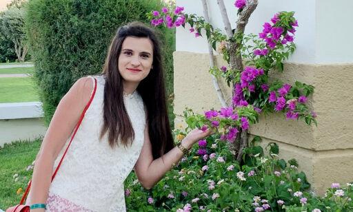image: - Da jeg studerte i Albania var vi 70 prosent jenter i klassen