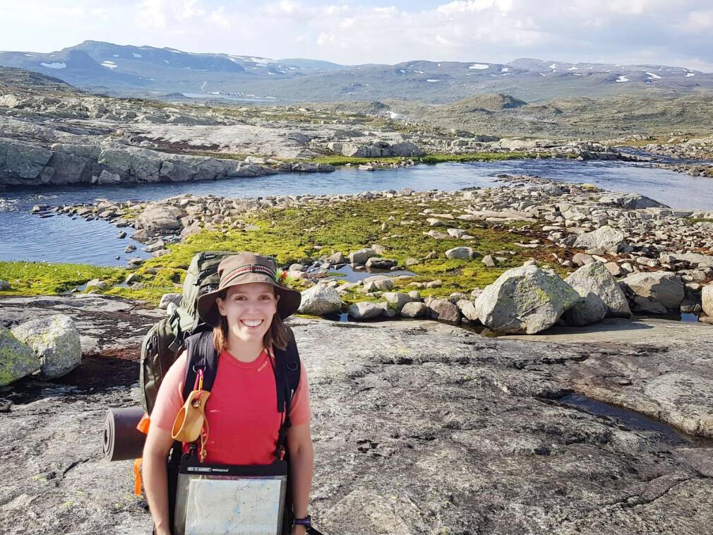 """""""Her er jeg i mitt rette element - på tur på Hardangervidda"""" forteller Bekk-utvikler Tia Firing. 📸: Privat"""
