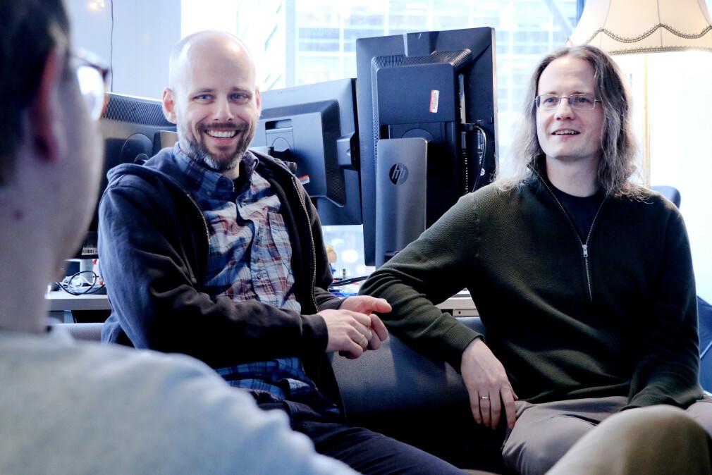 Christian Johansen og Magnar Sveen gjorde sitt beste for å forklare Clojure, ClojureScript og funksjonell programmering til kode24, kode24-klubbens medlemmer og lytterne av kode24-timen. 📸: Ole Petter Baugerød Stokke
