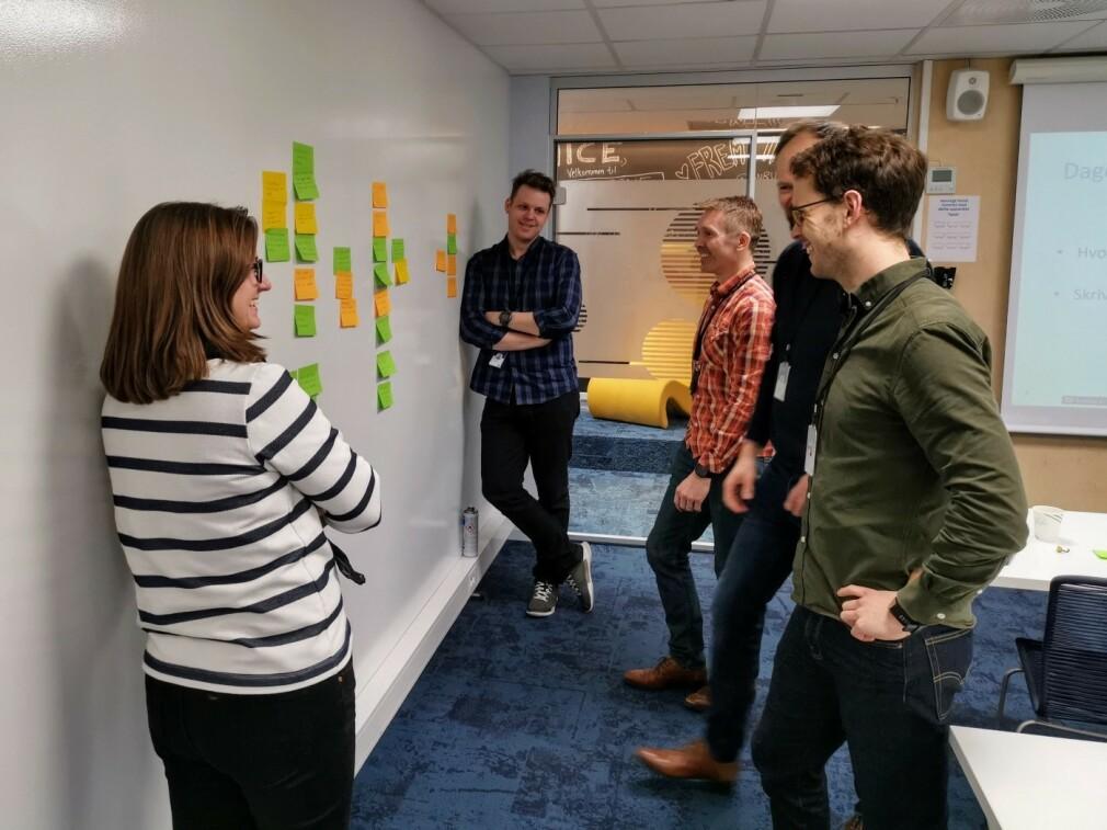 Diskusjon om mulige grunner til at rekruttering av utviklere gikk galt i 2020. 📸: Privat