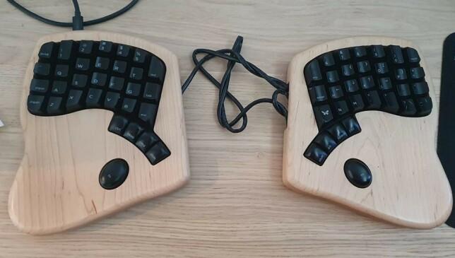 """Viktor Setervang: """"Keyboardio. Digg å skrive på, men tok litt tid å bli vant med. Selve tastaturet blir drevet av en innebygd arduino og firmwaren er open source, så det er mye muligheter til å gjøre endringer."""""""