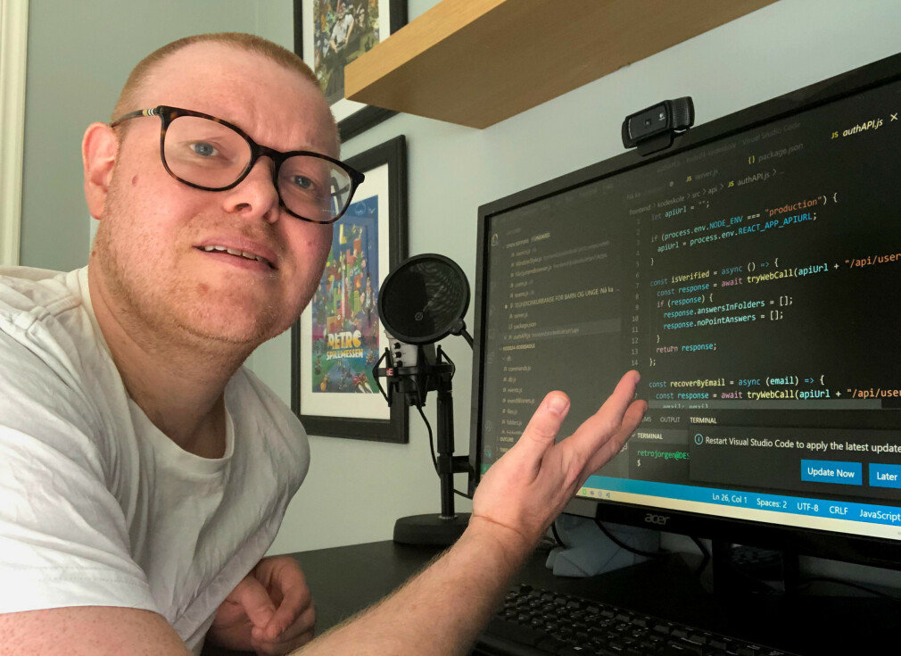 Jørgen Jacobsen er fagansvarlig i kode24 og koder selve tjenesten, ved hjelp av enorme mengder googling! 📸: Privat