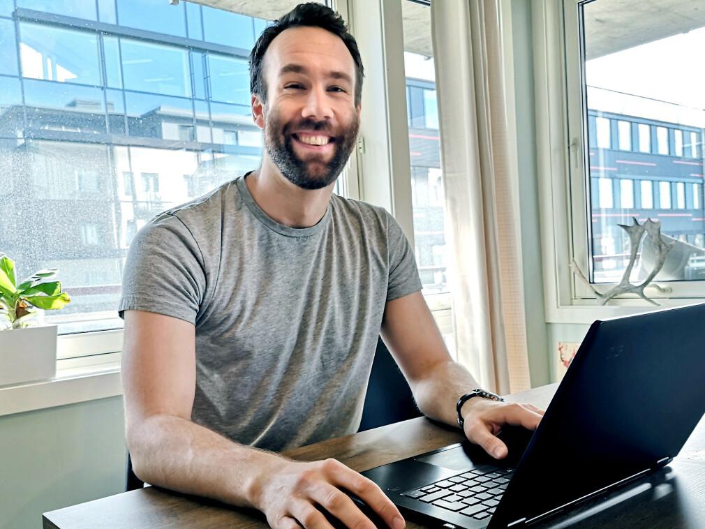 Simen Kristoffersen jobber som kontaktlærer for en annenklasse i Oslo-skolen, og på fritida utvikler han Lesekloden - et digital læreverktøy, som ble ekstra aktuelt da norske barn måtte på hjemmeskole. 📸: Privat
