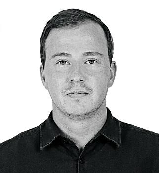 Martin Swartling jobber som teknolog i Tilsynet for universell utforming av ikt. Blant annet med den nye sentrale tilgjengelighetserklæringen. 📸: Tilsynet for universell utforming av ikt.