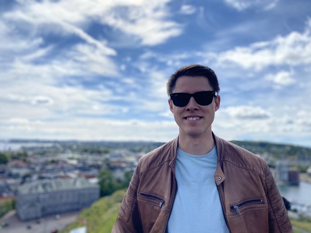 Aksel Dybdal bor og jobber i Unloc i Oslo, som utviklingssjef. Men han får utvikla, også. 📸: Privat
