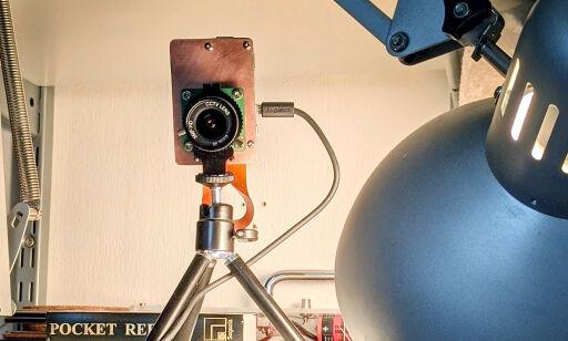 image: Bygger egne webkameraer, og har dem på i møter