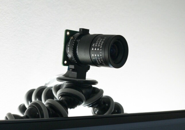 Sånn her ser webkameraet til Stian A. Giltvedt ut; det er en hjemmelaga løsning med en Raspberry Pi. 📸: Privat