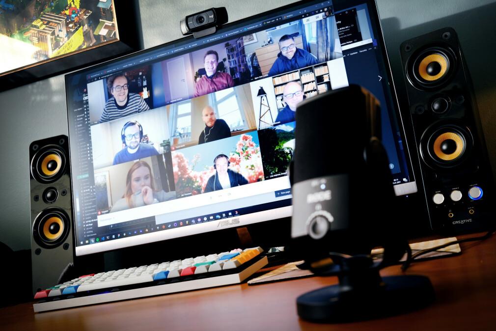 Dette er hverdagen til mange norske utviklere under koronapandemien på hjemmekontoret - videokonferanser og samarbeid over nettet. 📸: Ole Petter Baugerød Stokke