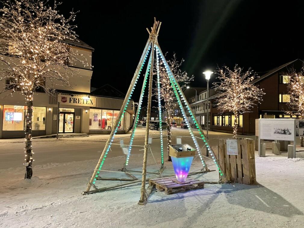 Vegard Gamnes og broren satt opp dette digre spillet i Kirkenes. Se video av kreasjonen lenger ned i artikkelen. 📸: Privat
