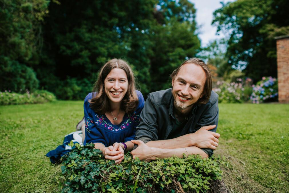 Paret Clare og Christer Eckermann driver selskapet Snuti sammen. Sammen utvikler de blant annet spill, hvor de står for alt fra 3D-modelleringen til selve programmeringen. 📸: Privat
