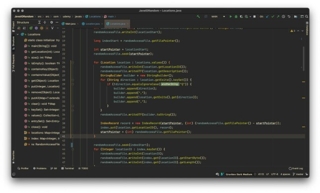 """Mirdon Gashi: """"IntelliJ - Gruvbox Dark Medium.  Ikke gjort noe med font eller ikonpakker, trenger ikke sånt når jeg bare vil lære.  En plugin jeg ikke kan klare meg uten er IdeaVim."""""""