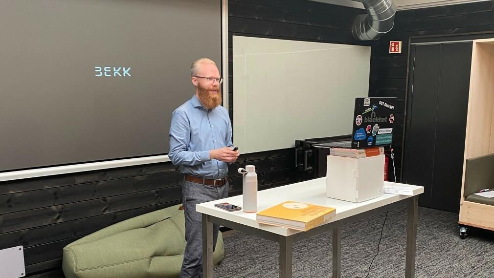 Henrik Walker Moe er fagleder for sikkerhet i Bekk, og har noen gode tips til hvordan du sikrer arbeidsplassen din. 📸: Privat