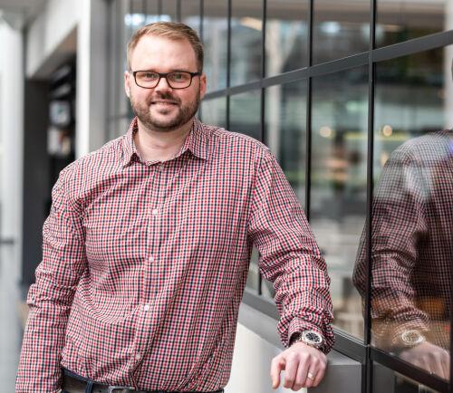 image: Henrik Schewe til Sicra: - Vokst opp med PC-bygging og LAN-fester