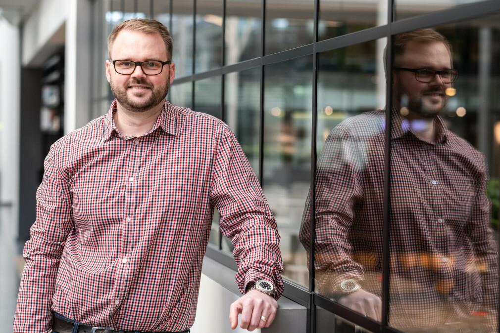 Henrik Schewe melder overgang fra Norges miljø- og biovitenskapelige universitet til Sicra.