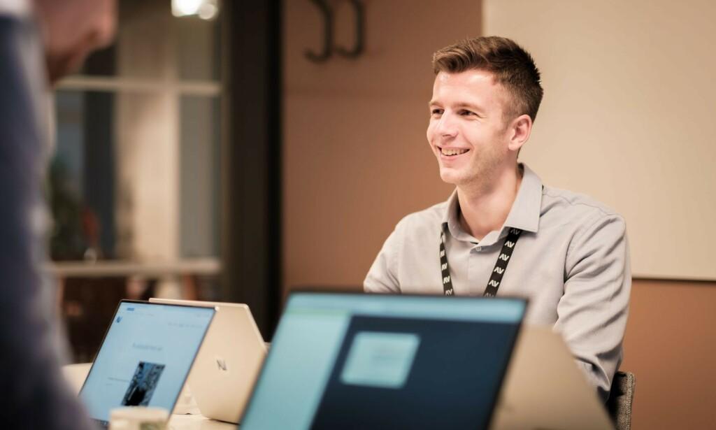 Pål Bøckmann jobber som systemutvikler i Alv, og er glad i gode tester. 📸: Alv