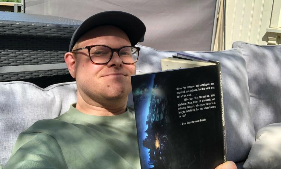 Fagredaktør Jørgen Jacobsen har planer om å ikke kode i sommer, selv om det er fristende. 📸: Privat