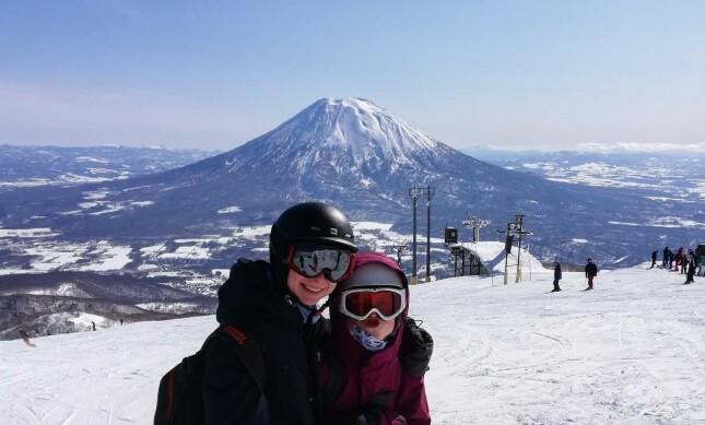 Enstadf forteller at hun liker å drive med ski på vinteren. 📸: Privat