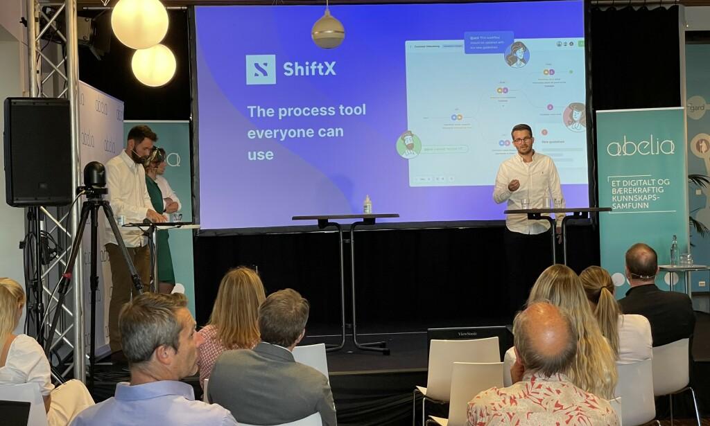 Daglig leder Nikolai Strandskogen i oppstartsselskapet ShiftX på innovasjonsdebatt arrangert av Abelia. 📸: Are Westerink Sandvik / ShiftX