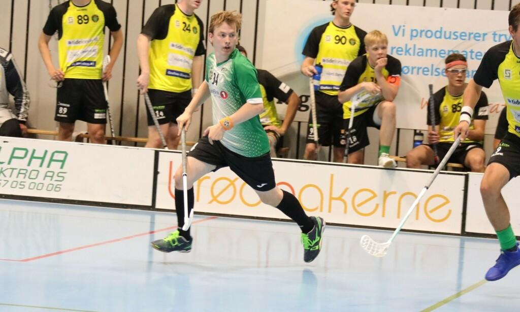 Software engineer Ole Løchen i SMOC.AI spiller aktivt innebandy i Gjelleråsen IF i eliteserien. 📸: Privat